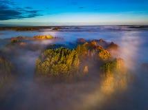 Vue aérienne de Gloria et d'un halo de brouillard images libres de droits