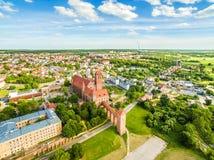Vue aérienne de Kwidzyn Paysage de ville vu de l'air avec le château, le théâtre, la cathédrale et l'horizon photos libres de droits