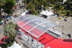 Vue aérienne de l'entrée de tapis rouge au festival de Cannes image libre de droits