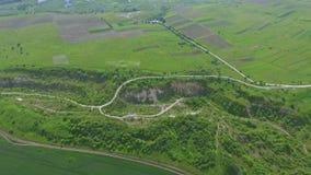 Vue aérienne de la carrière Collines de sable de carrière abandonnée Nature verte Été banque de vidéos