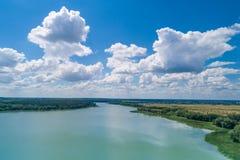 Vue aérienne de la rivière images libres de droits