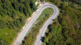 Vue aérienne de la route serpentine de montagne Croatie clips vidéos