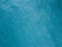Vue aérienne de la surface d'océan image stock
