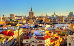 Vue aérienne de la vieille ville à Valence de porte de Serranos - Espagne Images stock