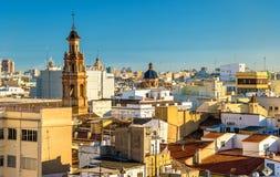 Vue aérienne de la vieille ville à Valence de porte de Serranos - Espagne Image stock