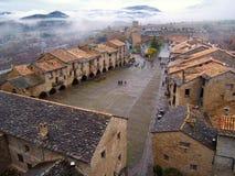 Vue aérienne de la ville d'Ainsa à Huesca Images stock