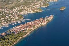 Vue aérienne de ligne de côte de la Croatie Île de Rab Image stock