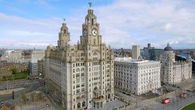 Vue aérienne de Liverpool et du bâtiment royal iconique de foie photos libres de droits
