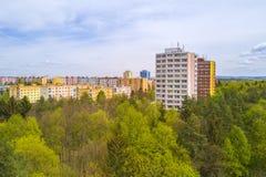 Vue aérienne de lotissement près de parc de ville Photo stock