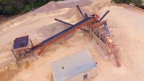 Vue aérienne de machine de mine de bourdon banque de vidéos
