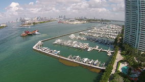 Vue aérienne de marina de Miami Beach banque de vidéos