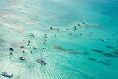 Vue aérienne de mer des Caraïbes d'un hélicoptère, République Dominicaine  Image stock