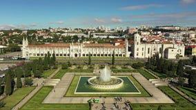 Vue aérienne de monastère de Jeronimos à Belem Lisbonne banque de vidéos