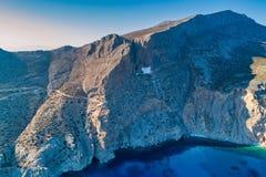 Vue aérienne de monastère de Panagia Hozovitissa sur l'île d'Amorgos photographie stock libre de droits