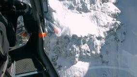 Vue aérienne de montagne de neige banque de vidéos