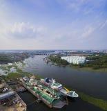 Vue aérienne de montant éligible maximum de nam de rivière de menton merci à l'OU de province de samuthsakorn Photos stock