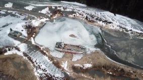Vue aérienne de naufrage en Alaska congelé banque de vidéos