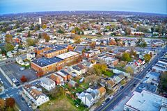 Vue aérienne de New Jersey de Gloucester de ville de façade d'une rivière du Delaware image stock