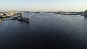 Vue aérienne de New Jersey le fleuve Delaware Camden New Jersey de cuirassé clips vidéos