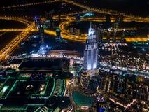 Vue aérienne de nuit de Dubaï du centre de Burj Khalifa Photographie stock libre de droits