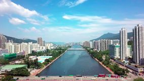 Vue aérienne de panarama sur Shatin, Tai Wai, Shing Mun River Avant ouragan Mangkhut venez à Hong Kong banque de vidéos