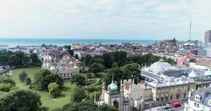 Vue aérienne de pavillon de Brighton Royal et de Brighton Dome Image stock