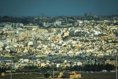 Vue aérienne de paysage maltais d'architecture exotique de panorama méditerranéen de Malte images libres de droits
