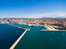Vue aérienne de pilier de Marseille - port de Vieux, château de Jean de saint, a image libre de droits