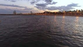 Vue aérienne de plage de Barcelone banque de vidéos