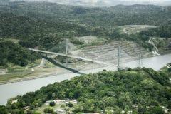 Vue aérienne de pont centennal sur le canal de Panama Photographie stock libre de droits