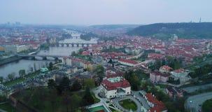 Vue aérienne de Prague, République Tchèque banque de vidéos