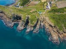 Vue aérienne de promenade côtière de Yongmeori sur l'île de Jeju, Corée du Sud Formation géologique approximative faite avec l'ér images libres de droits