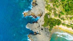 Vue aérienne de Puerto Rico Faro Los Morrillos de Cabo Rojo Plage de Playa Sucia et lacs salt dans Punta Jaguey images stock