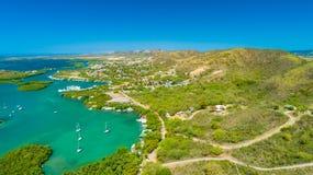 Vue aérienne de Puerto Rico Faro Los Morrillos de Cabo Rojo Plage de Playa Sucia et lacs salt dans Punta Jaguey images libres de droits