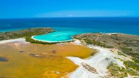 Vue aérienne de Puerto Rico Faro Los Morrillos de Cabo Rojo Plage de Playa Sucia et lacs salt dans Punta Jaguey photo stock