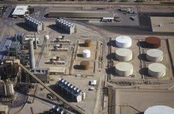 Vue aérienne de raffinerie de pétrole photographie stock libre de droits
