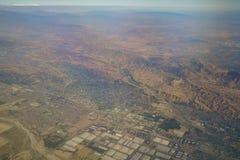 Vue aérienne de Redlands, vue de siège fenêtre dans un avion Photographie stock