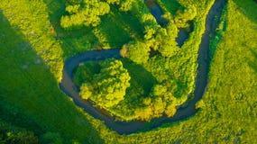 Vue aérienne de River Valley dans la belle lumière de coucher du soleil Image stock