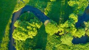 Vue aérienne de River Valley dans la belle lumière de coucher du soleil Images stock