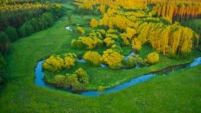 Vue aérienne de River Valley dans la belle lumière de coucher du soleil Photographie stock