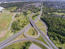 Vue aérienne de route à grand trafic dans Sosnowiec Pologne images libres de droits