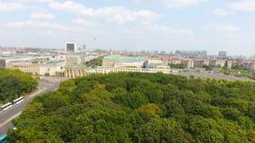 Vue aérienne de route d'horizon de Berlin depuis le 17 juin, Allemagne Image libre de droits