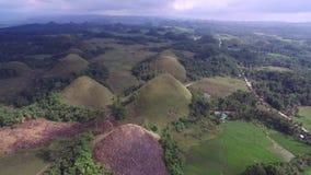 Vue aérienne de survol des collines de chocolat Bohol, Philippines clips vidéos