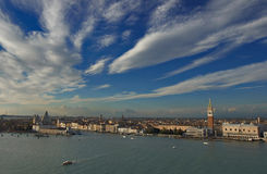 Vue aérienne de Venise de tour de cloche de rue Giorgio d'église Image stock