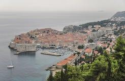 Vue aérienne de vieille ville de Dubrovnik en Croatie Image libre de droits