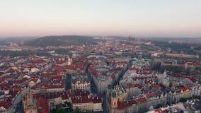 Vue aérienne de vieux centre de Prague, République Tchèque clips vidéos