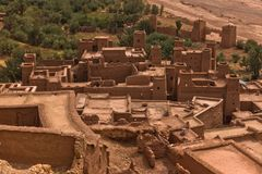 Vue aérienne de village de berber d'Ait Ben Haddou, site de patrimoine mondial de l'UNESCO au Maroc photo stock