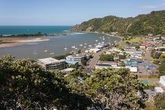 Vue aérienne de ville et de rivière de Whakatane Images stock
