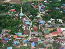 Vue aérienne de ville de Phrae de propulseur de jumeau d'Airbus Image libre de droits