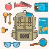 Vue aérienne des accessoires de voyageur, articles essentiels de vacances, concept de voyage Illustration de vecteur Photo stock